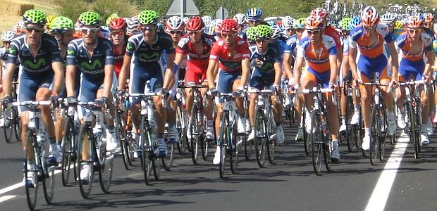 Peloton bei der 4. Etappe der Vuelta 2012 in Spanien